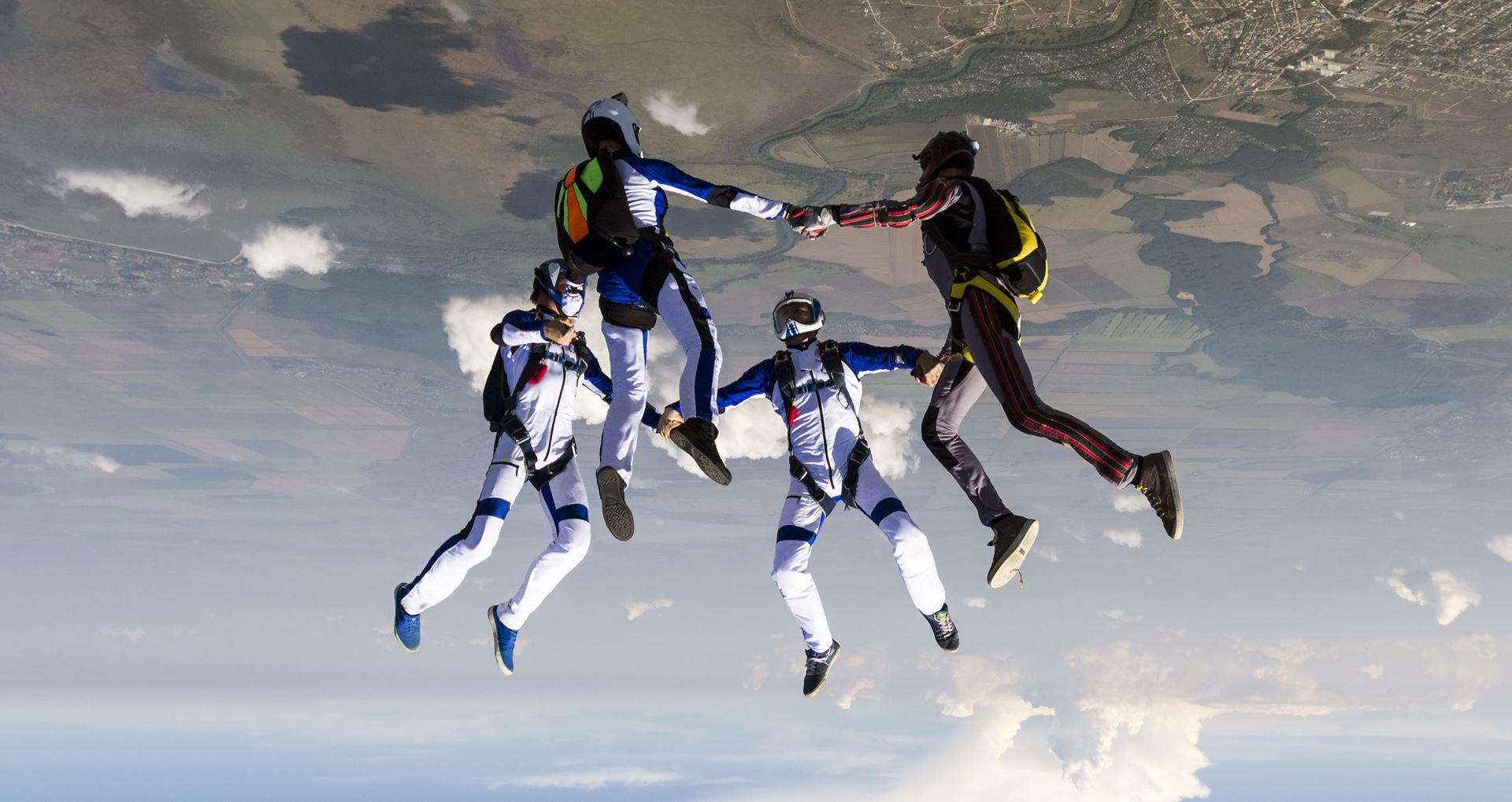 Picture for category Skydiving
