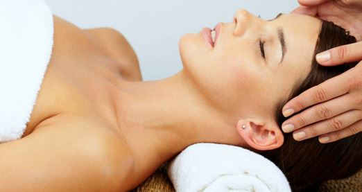 Aromatherapy Massage with Facial – Adelaide (75 Minutes)