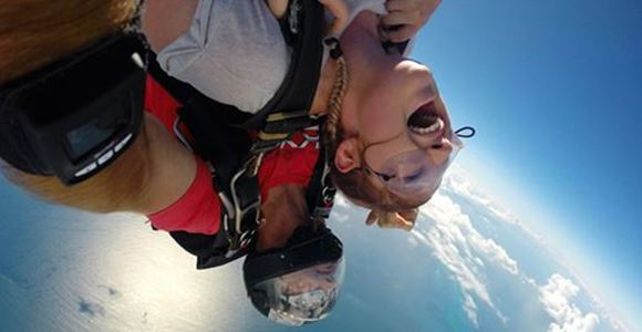 Picture of 10,000 ft Adrenalin Blaster - Tandem Skydiving QLD