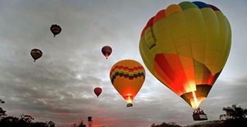 Picture of Avon Valley Champagne Balloon Flight - Weekend