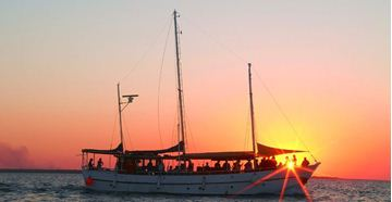 Picture of Romantic Sunset Dinner Cruise For Two  – Darwin