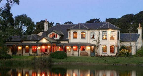Picture of Romantic Getaway with Winery Tour - Mornington Peninsula (1 Night)