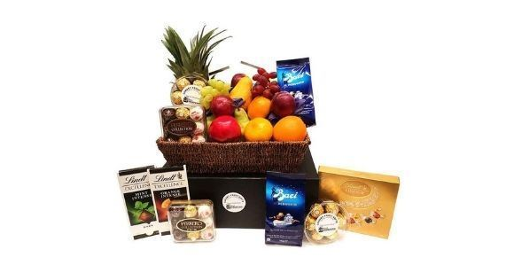 Picture of Deluxe Chocolate Fruit Basket